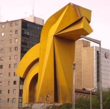 20110409203948-elcaballito500.jpg