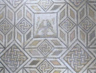 20110515170401-simetrias-2-en-la-encarnacion.jpg