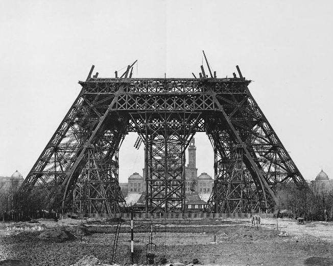 File:Construction tour eiffel3.JPG