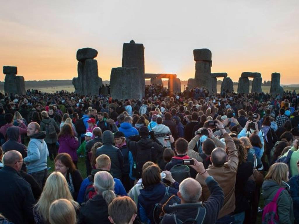El solsticio de verano en Stonehenge (junio de 2014)