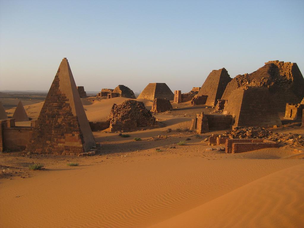 Pirámides de Meroe 2